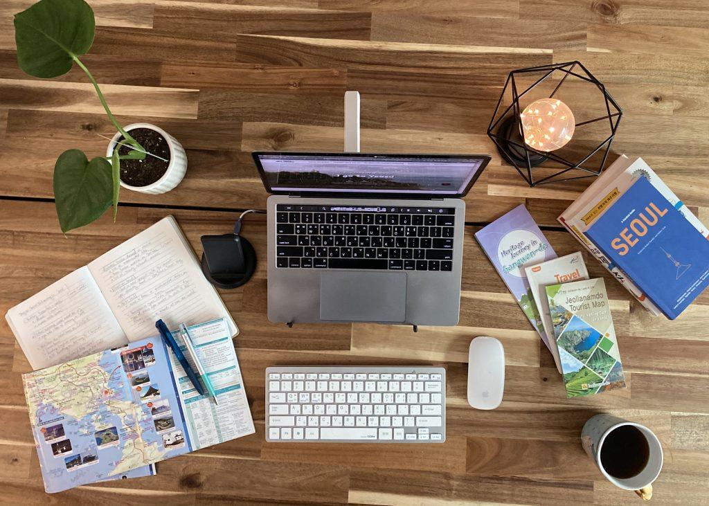 Travel Blog Work Station
