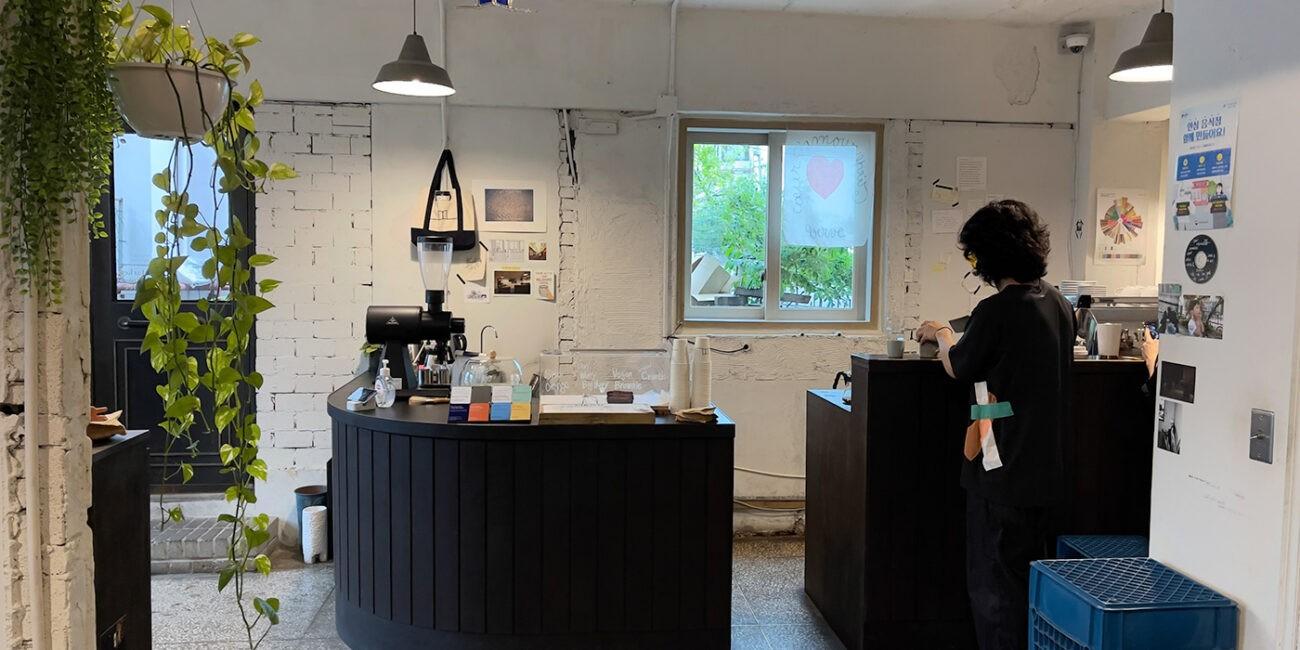 Momento Brewers Cafe in Seongsu